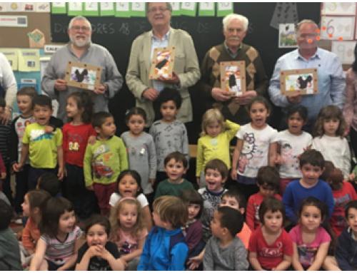 La gent gran explica contes amb valors als centres educatius l'Anoia