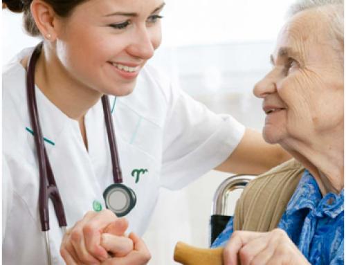 Salud prepara un modelo de atención sanitaria integral a las residencias de ancianos