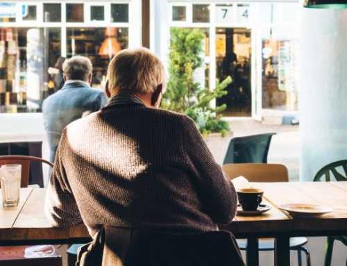 El 75% de la gent gran no deixa per escrit com vol ser tractada quan no es pugui expressar
