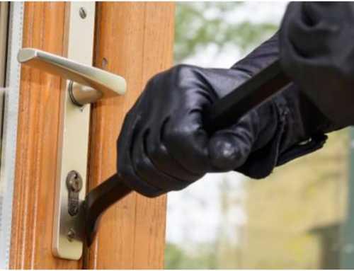 Un home roba 160.000 euros en domicilis de gent gran fent-se passar per revisor del gas