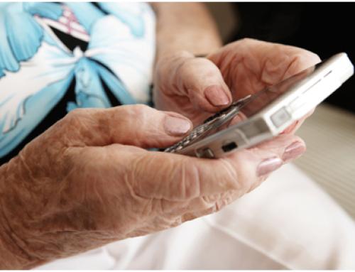 L'Ajuntament de Barcelona inicia la formació de més de 2.000 persones grans en l'ús de dispositius mòbils