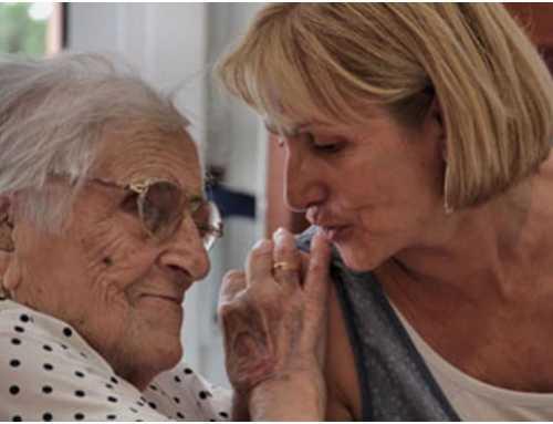Projecte Antenes: Prevenir l'aïllament de les persones grans